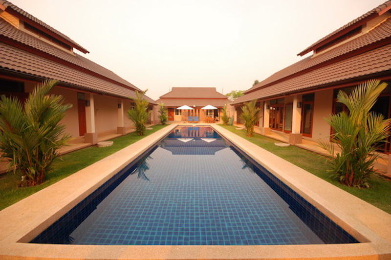 lanna-thai-swimming-pool